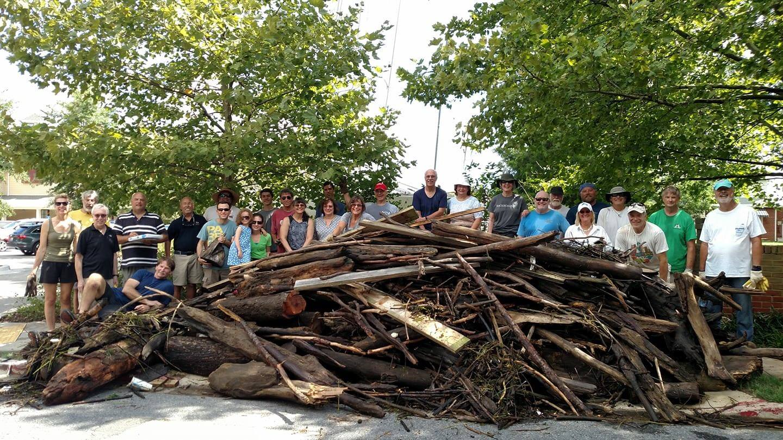 Eastport Yacht Club debris cleanup volunteers. Courtesy of EYC Facebook page