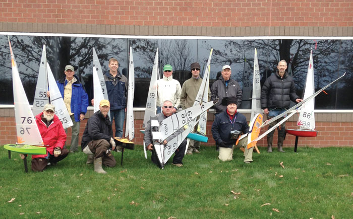 Richmond Model Yacht Club members and their vessels.