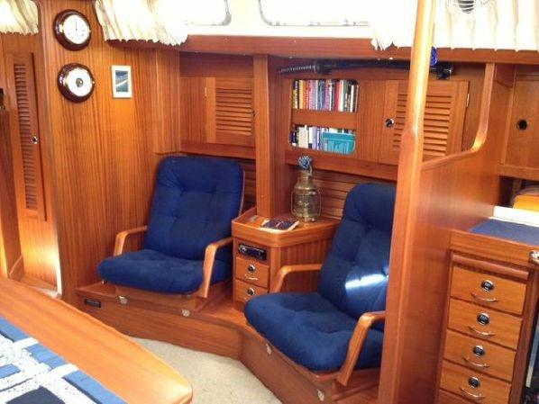 cruising boat salon