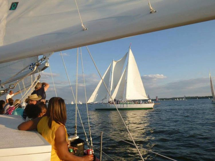 Schooner woodwind docktail cruise