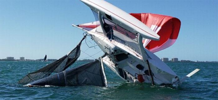 Multihull sailboat capsize
