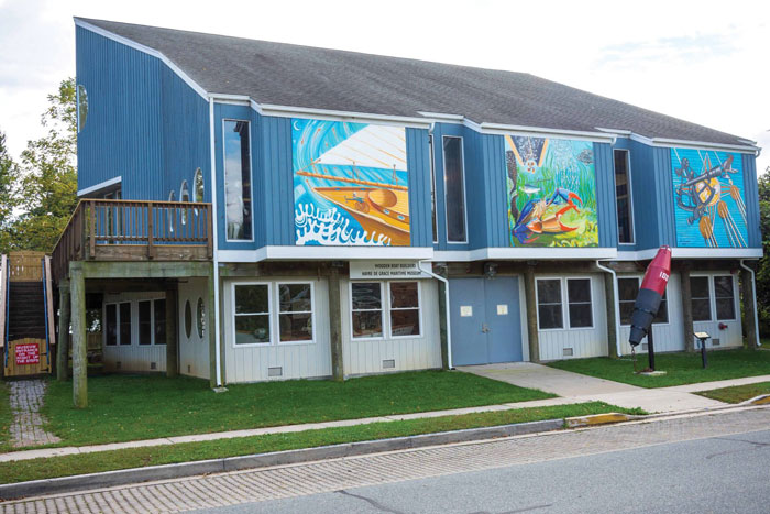 A new mural adorns the walls of the Havre de Grace Maritime Museum's Environmental Center. Photo courtesy HDG Maritime Museum