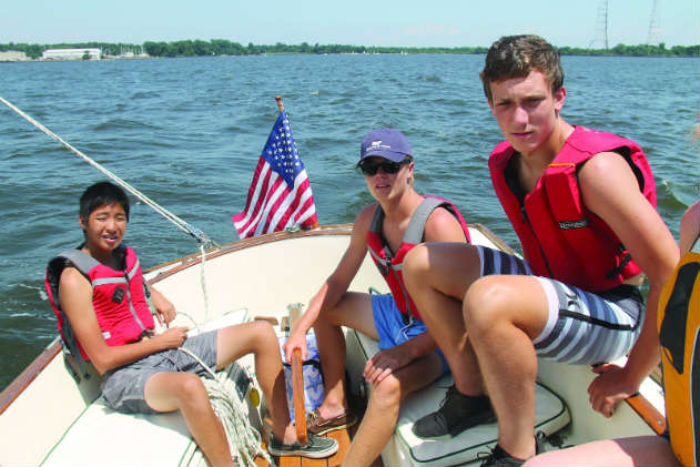 STEM students at the National Sailing Hall of Fame.