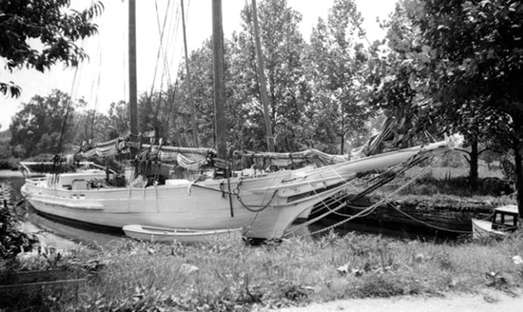 The Mattie F. Dean fell into disrepair in Back Creek in the 1950s. Photo courtesy of BCC