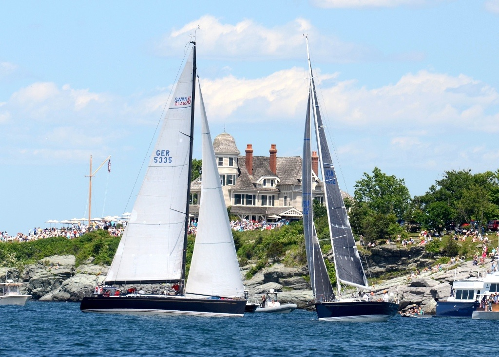 An upwind start for big cruisers in front of the crowds on the lawn at Castle Hill Inn (Barry Pickthall/PPL photo)