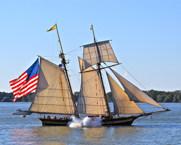 Pride of Baltimore II sailing